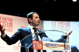 Праймериз социалистов во Франции: лидирует Бенуа Амон
