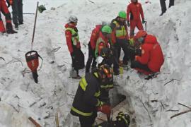 В заваленном лавиной отеле по-прежнему надеются найти живых