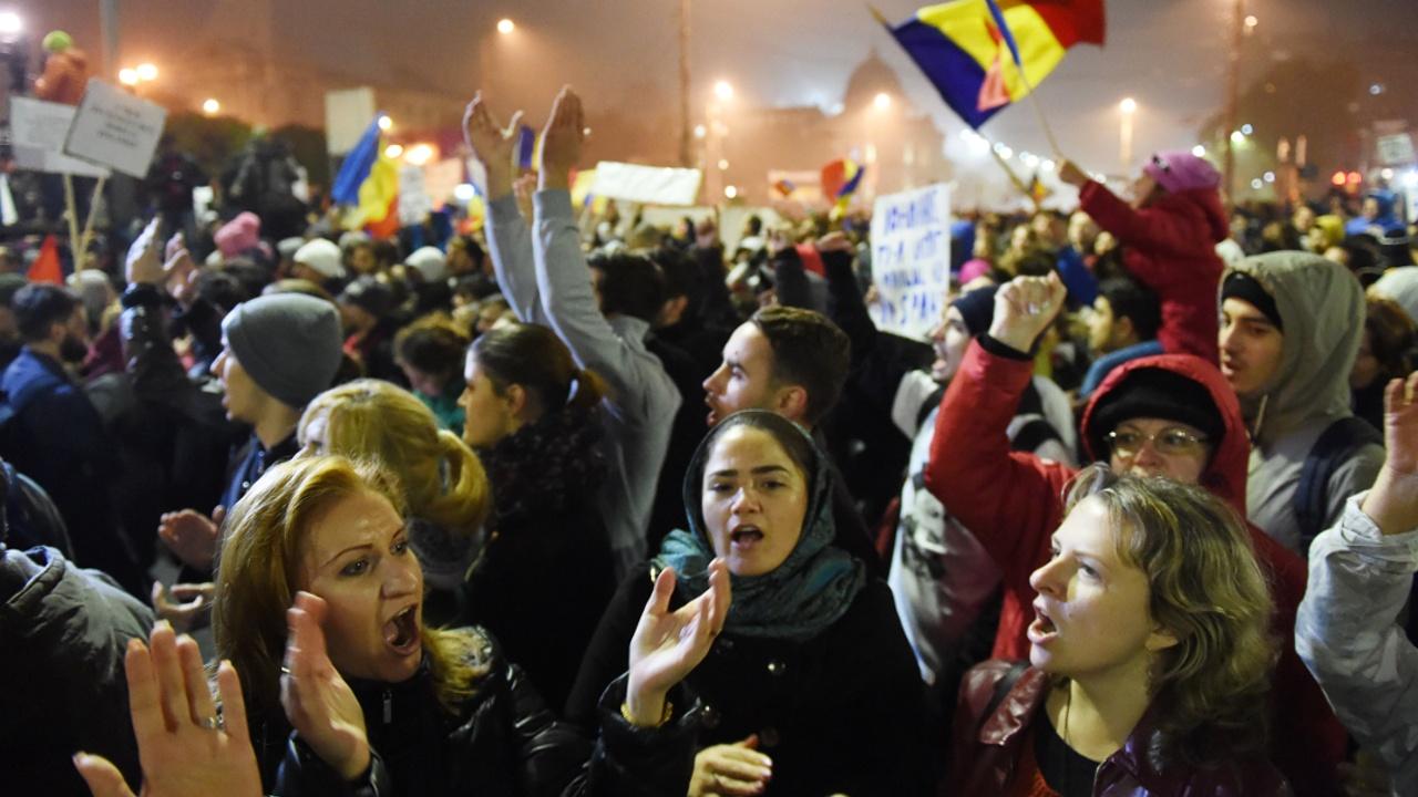 В Румынии протестуют против помилования преступников