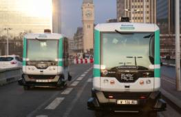 Беспилотные автобусы начали возить пассажиров в Париже