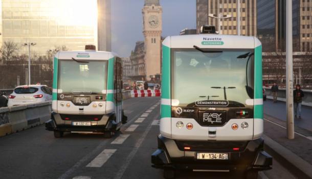 На дорогах Парижа появились автобусы-беспилотники