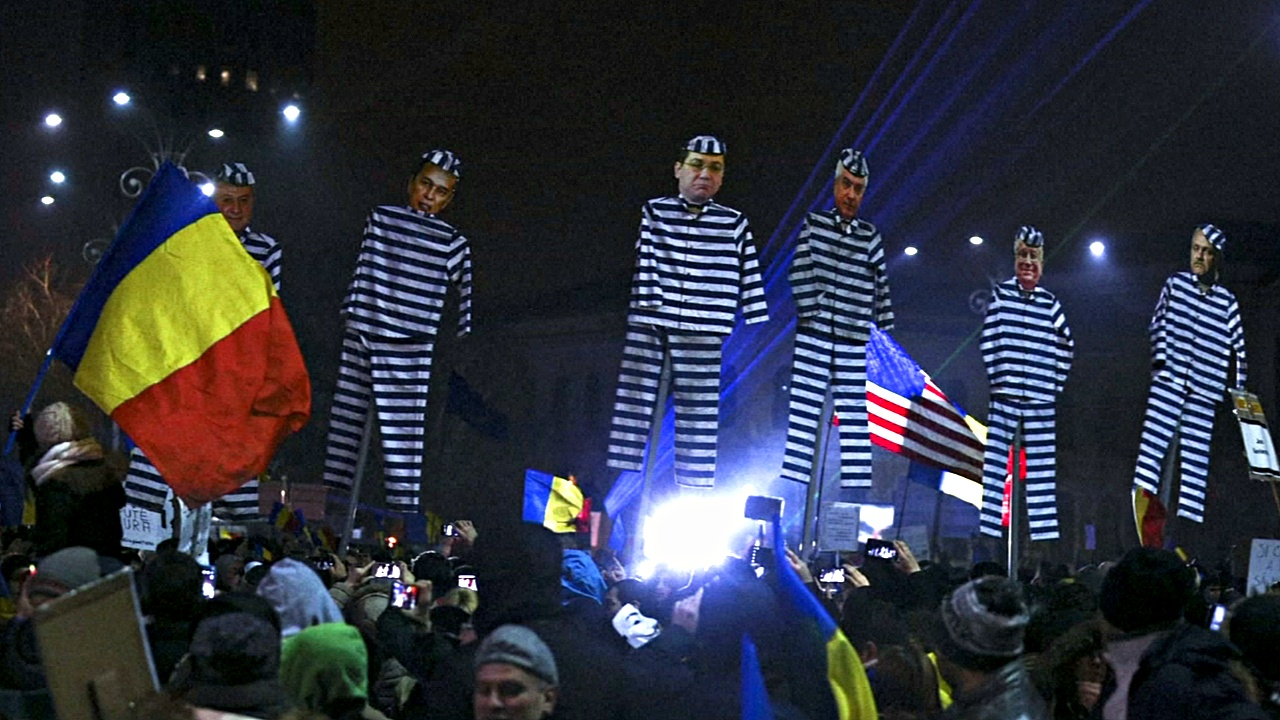 Румыны продолжили протесты, несмотря на уступки властей