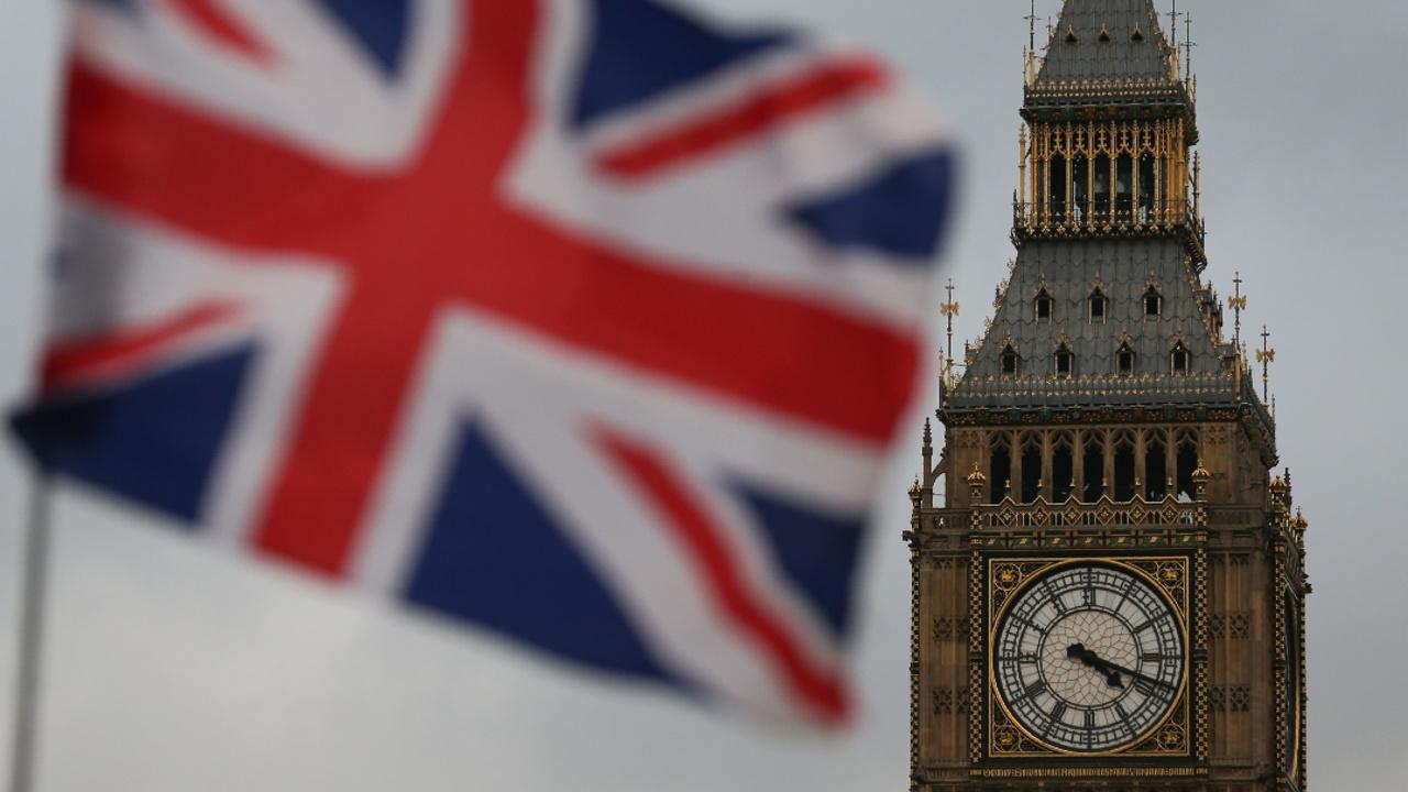 Британский парламент одобрил запуск процедуры «брексита»
