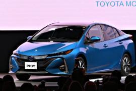 Модернизированная Toyota Prius PHV поступила в продажу в Японии