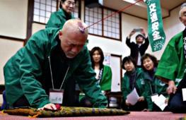 Чья лысая голова сильнее – выясняли на турнире в Японии