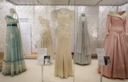 Выставка платьев принцессы Дианы открывается в Лондоне