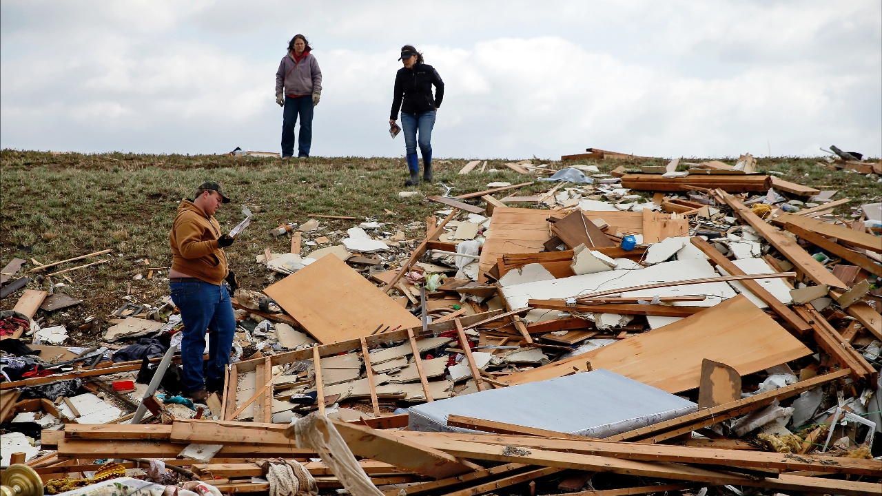 Торнадо на Среднем Западе США: трое погибших