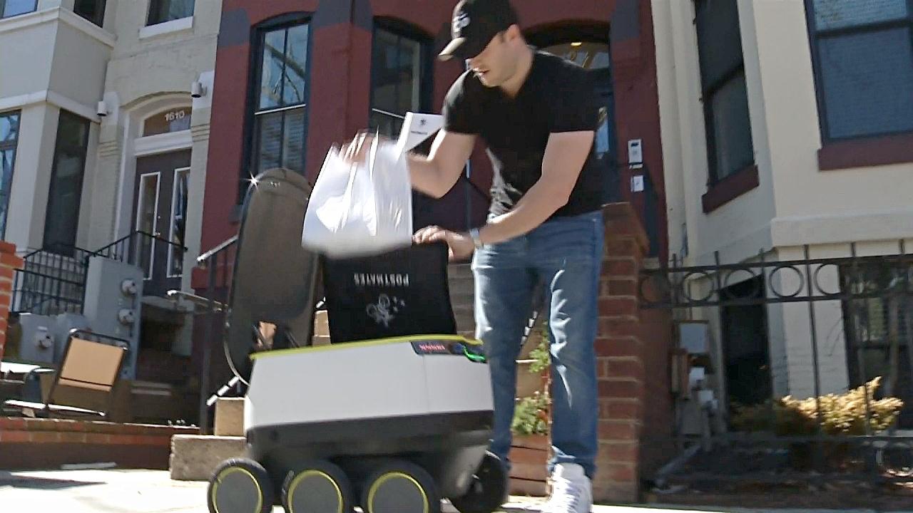 В США блюда из ресторанов клиентам домой доставляют роботы
