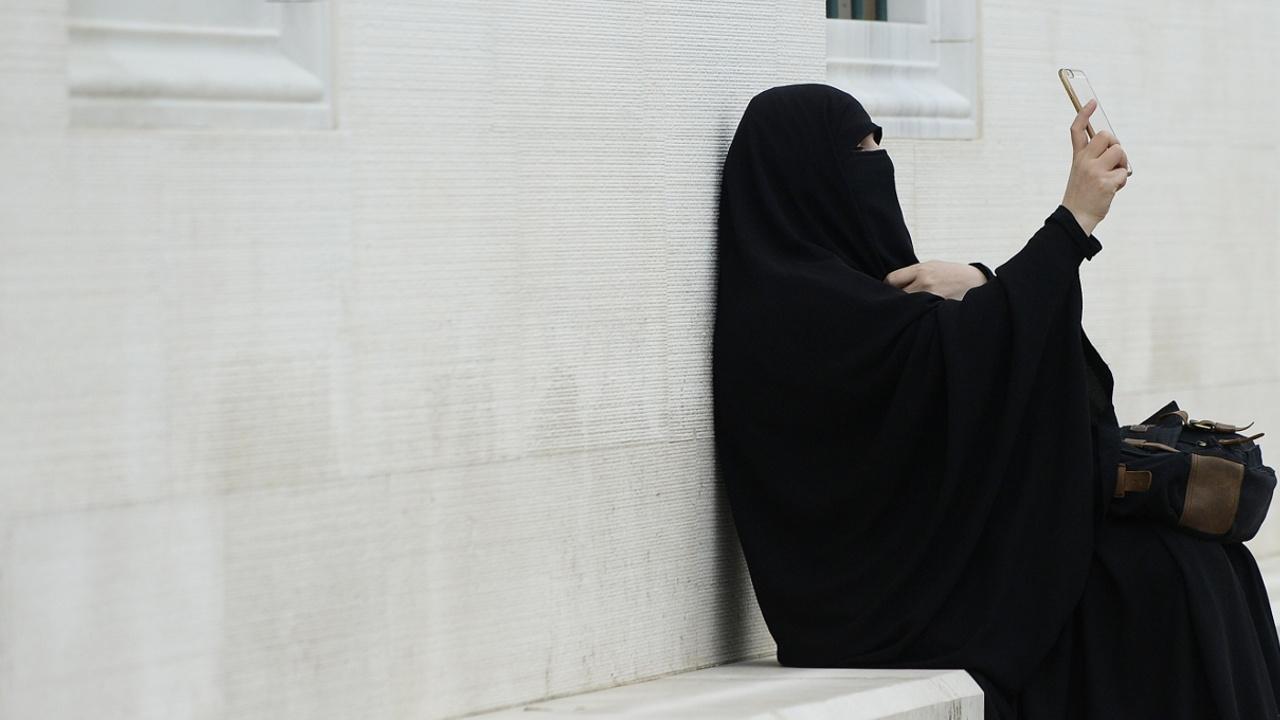 Европейский суд разрешил работодателям в ЕС запрещать хиджабы