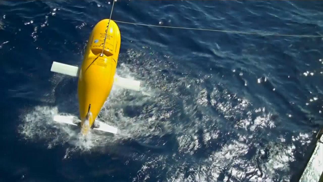 Жёлтая субмарина отправляется исследовать подводные течения