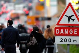 Жители Парижа — об атаке в аэропорту Орли