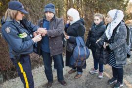 Около половины канадцев хотят депортации нелегальных беженцев
