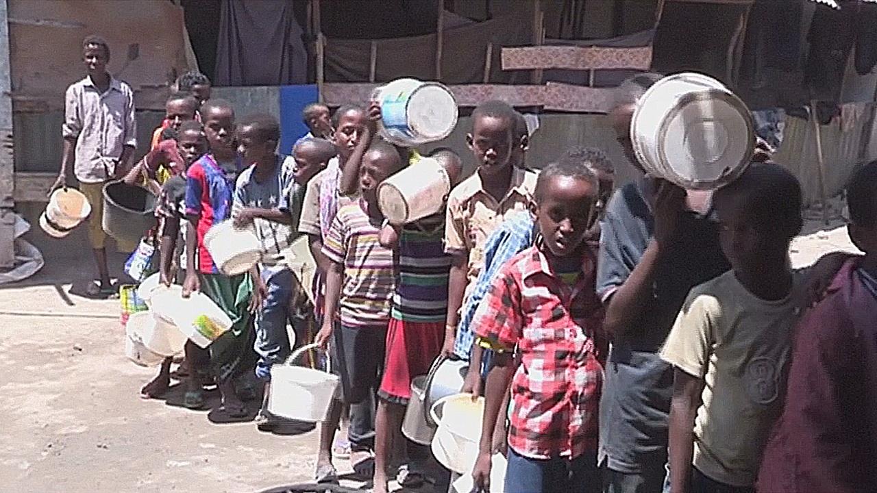 Красный Крест: у мира есть 3 месяца, чтобы спасти от голода Сомали и Йемен