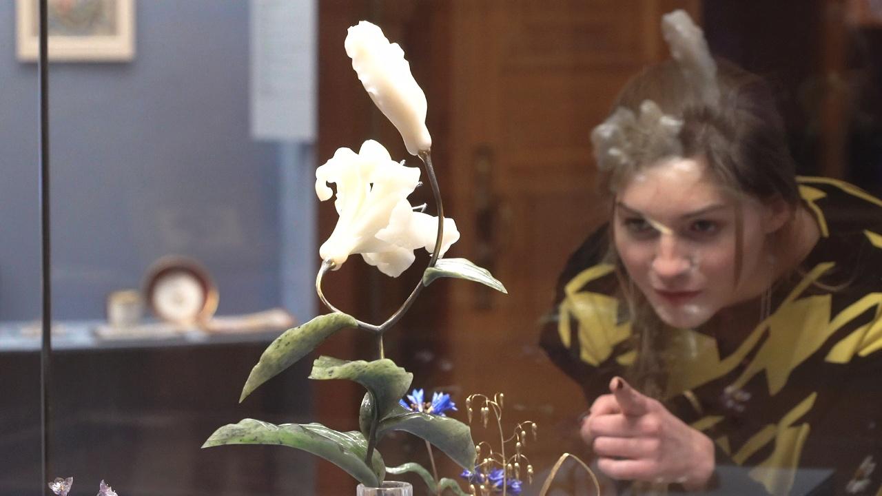 Язык цветов: тайна посланий императрицы на выставке