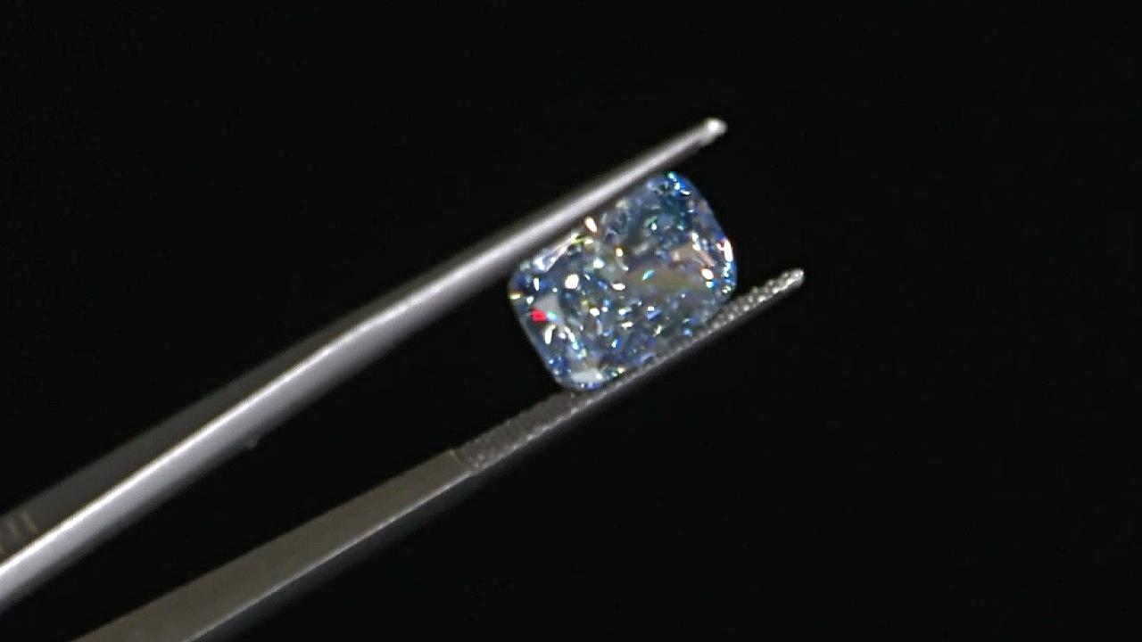 Лабораторные бриллианты становятся популярнее