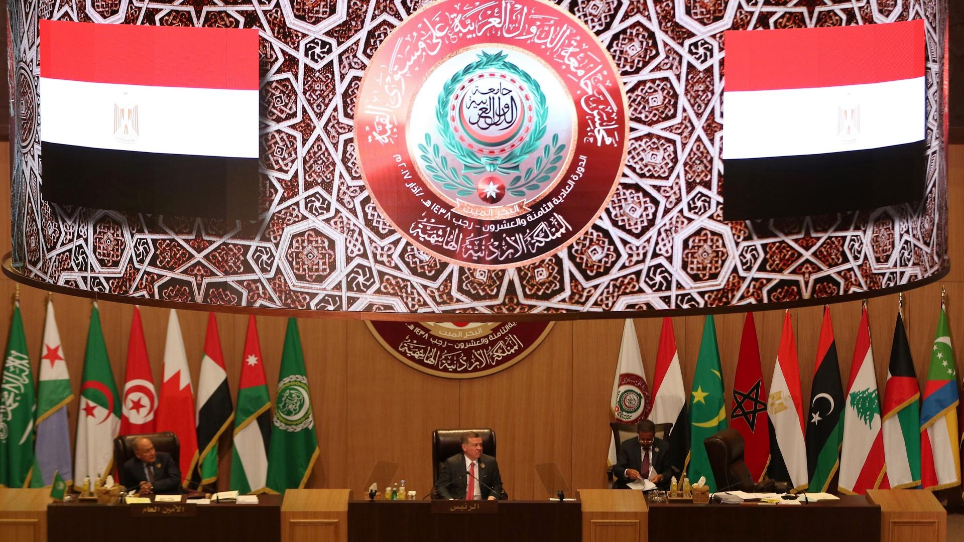 Саммит арабских лидеров продолжается в Иордании