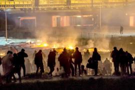 Лагерь мигрантов во Франции сгорел после потасовки