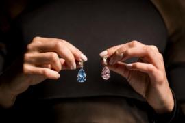 Серьги с розовым и голубым бриллиантами выставят на торги