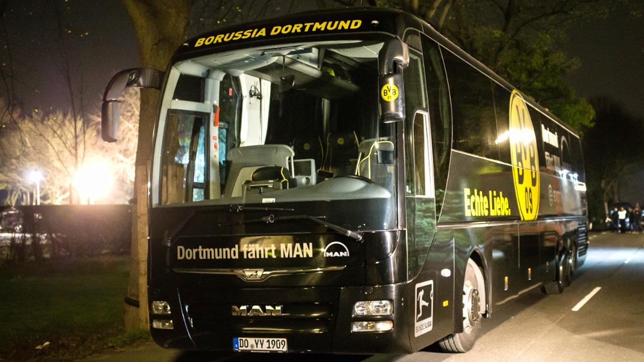 У автобуса ФК «Боруссия» прогремело три взрыва