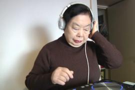 Японская бабушка – популярный диджей в Токио
