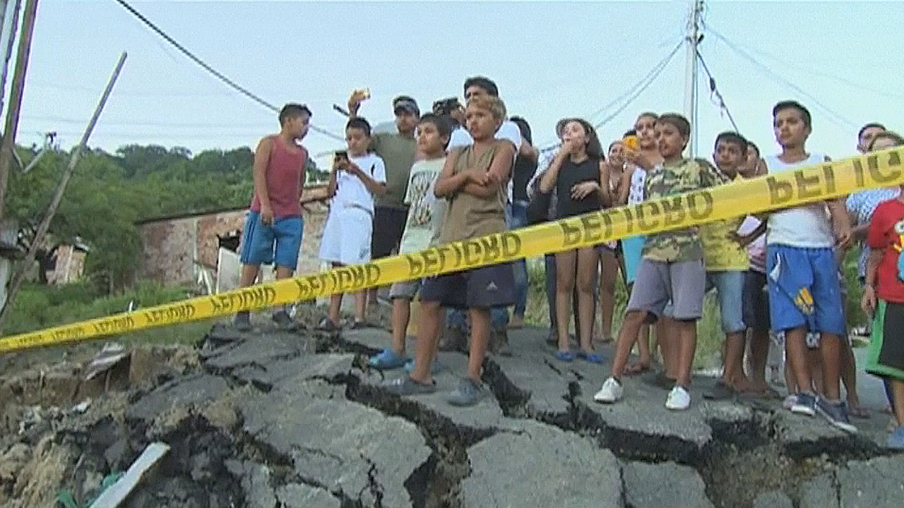 Эквадор: наводнения в регионах, пострадавших от землетрясения