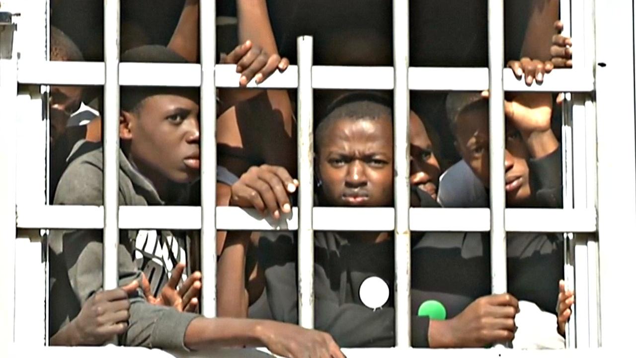 Африканских мигрантов превращают в рабов в Ливии