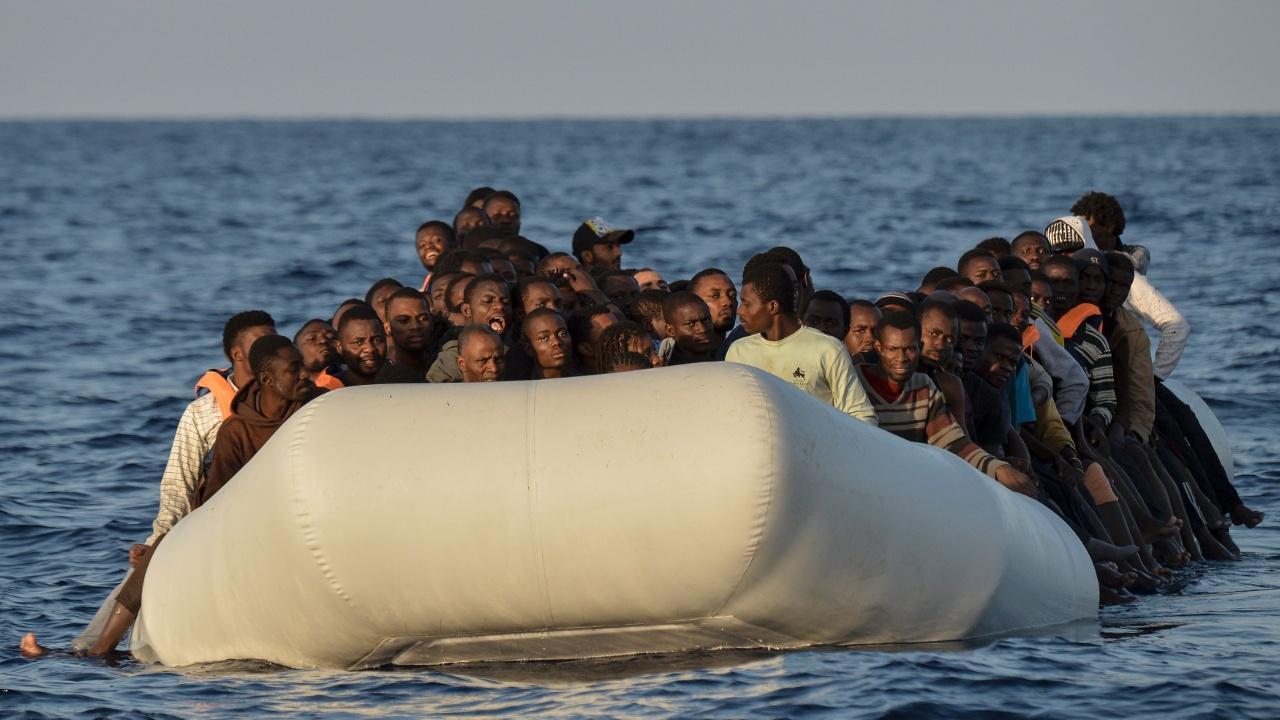 Около 100 мигрантов утонули у берегов Ливии