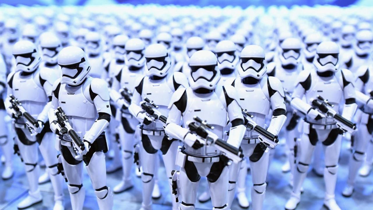 Поклонники «Звёздных войн» отметили 40-летие первой серии киносаги