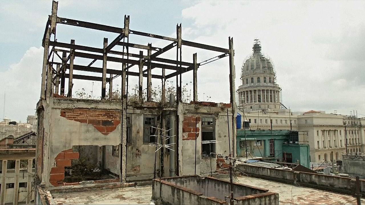 Старые дома кубинцев разрушаются