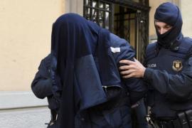 Испанская полиция опубликовала видео арестов возможных террористов