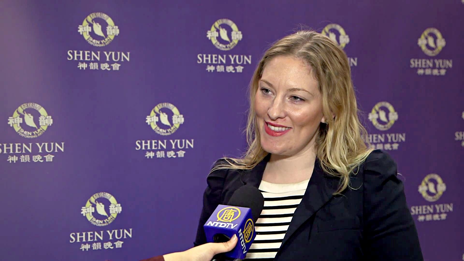 Писательница из Торонто: «Шоу Shen Yun — неповторимое»