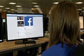 Facebook наймёт 3000 новых модераторов