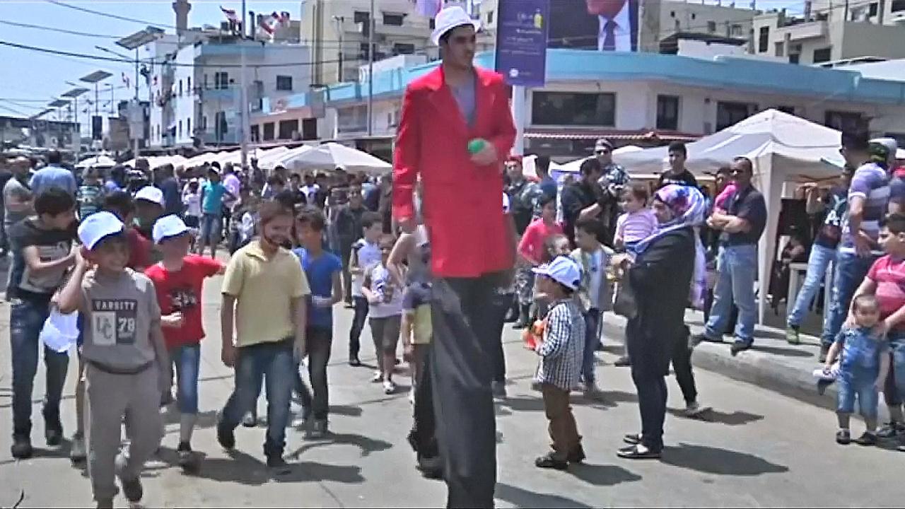 В Ливане бывшие противники вместе восстанавливают город