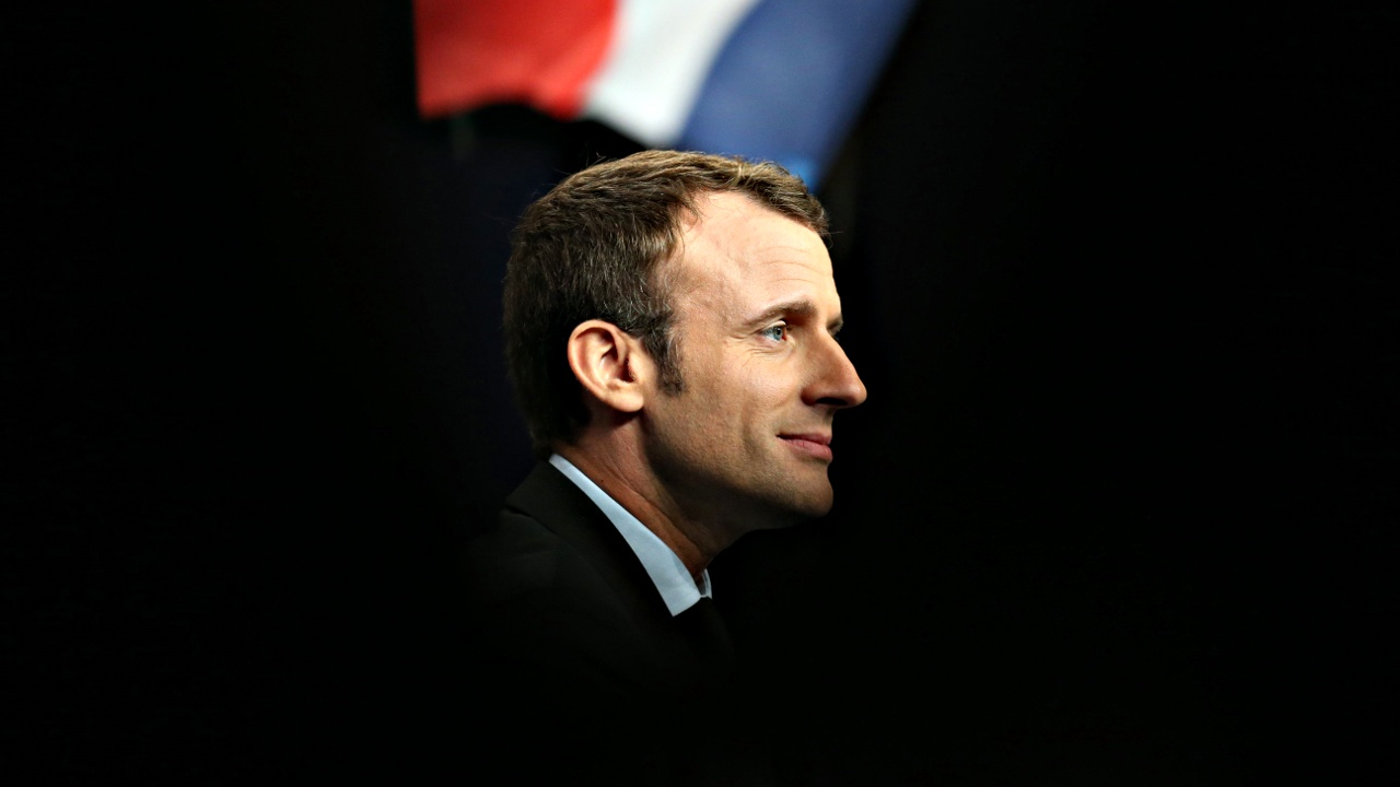 Партия Макрона сменит название на «Вперёд, Республика»