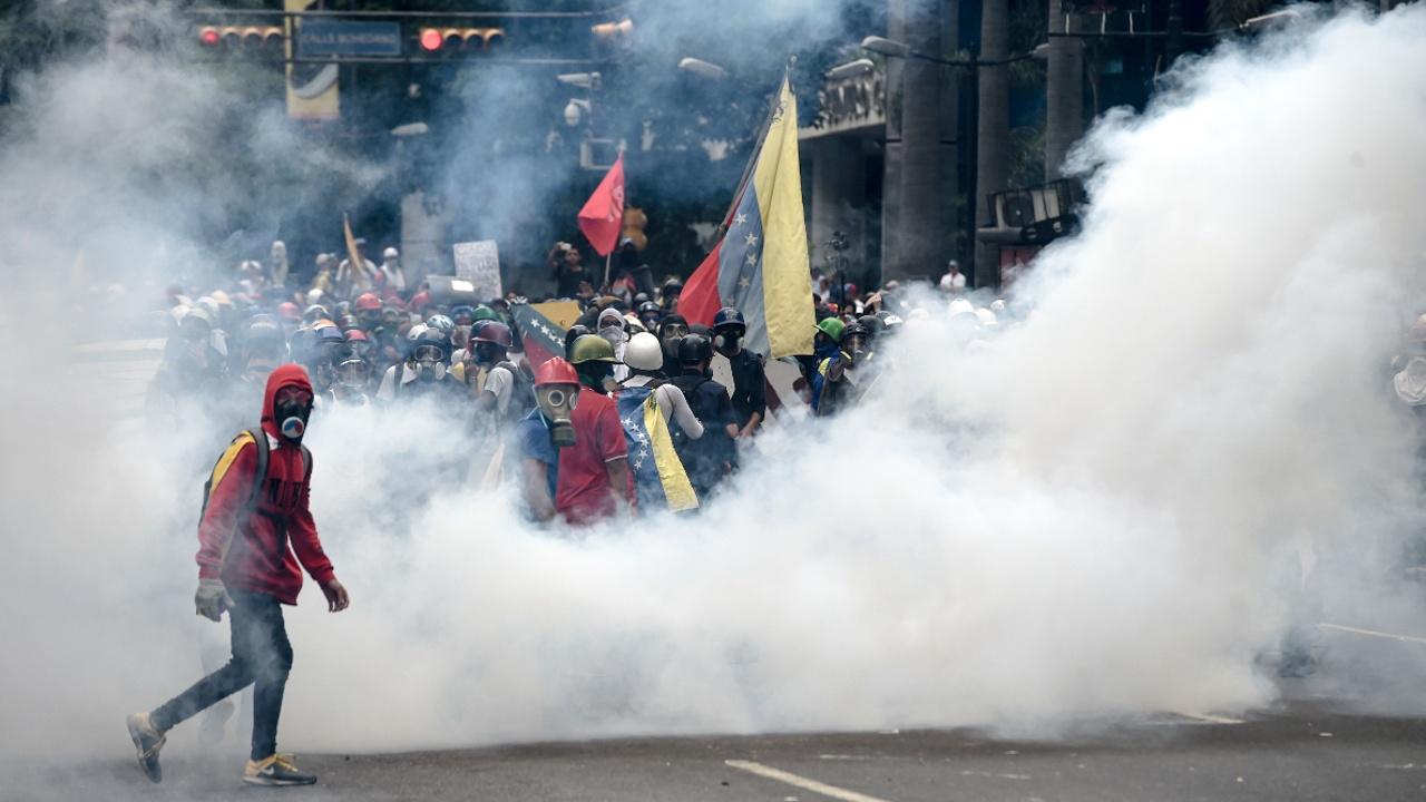 Число жертв протестов в Венесуэле растёт