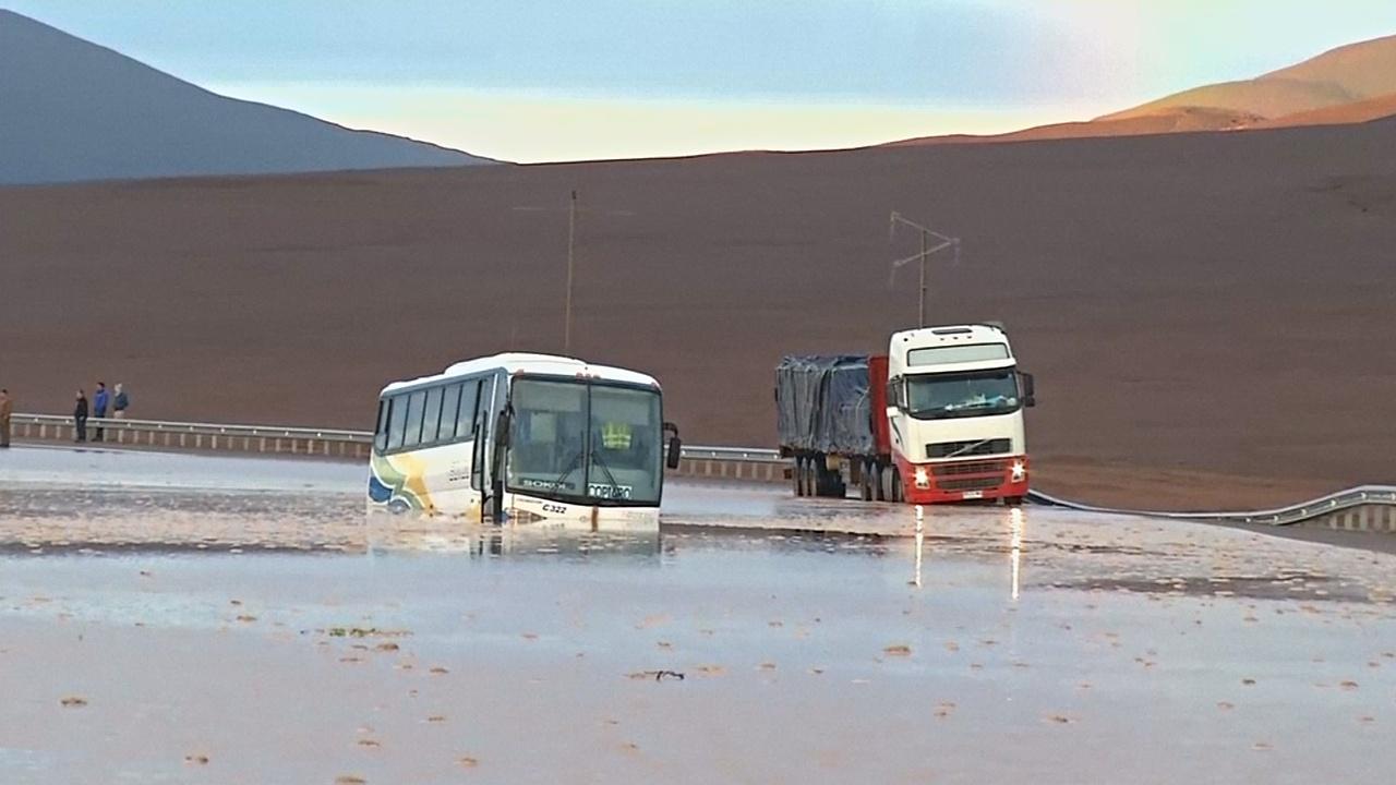 Масштабное наводнение обрушилось на север Чили