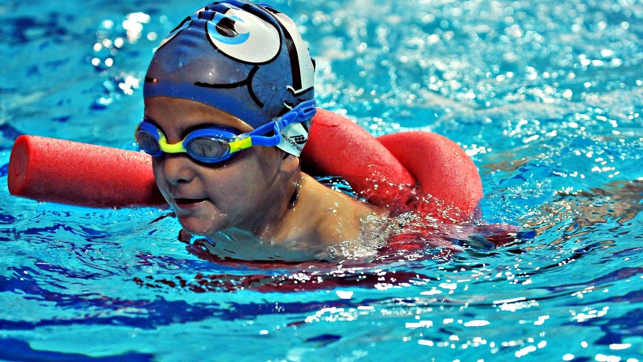 6-летний пловец без рук завоевал золото на соревнованиях