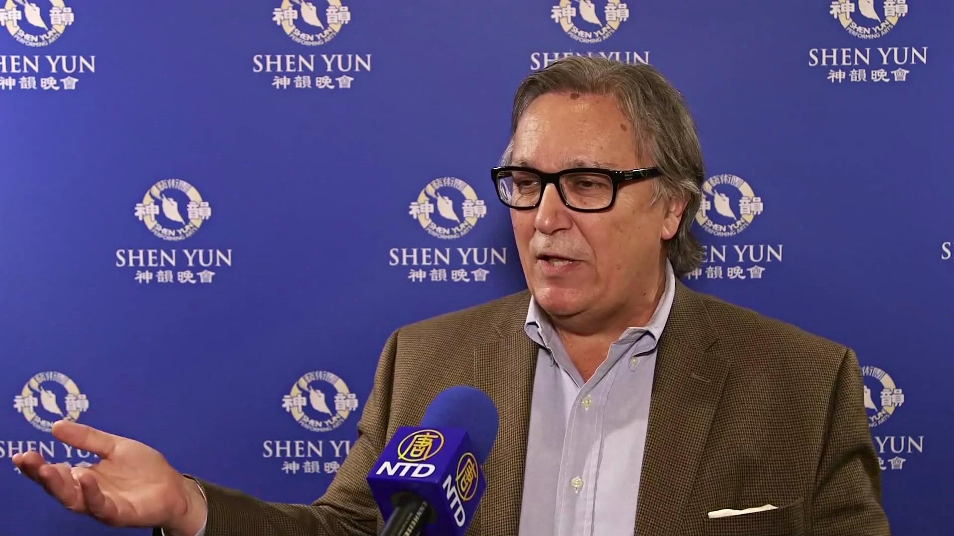 Зрители в Лос-Анджелесе назвали шоу Shen Yun прекрасным и захватывающим
