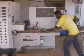 Отдалённое сообщество создаёт рабочие места для соплеменников