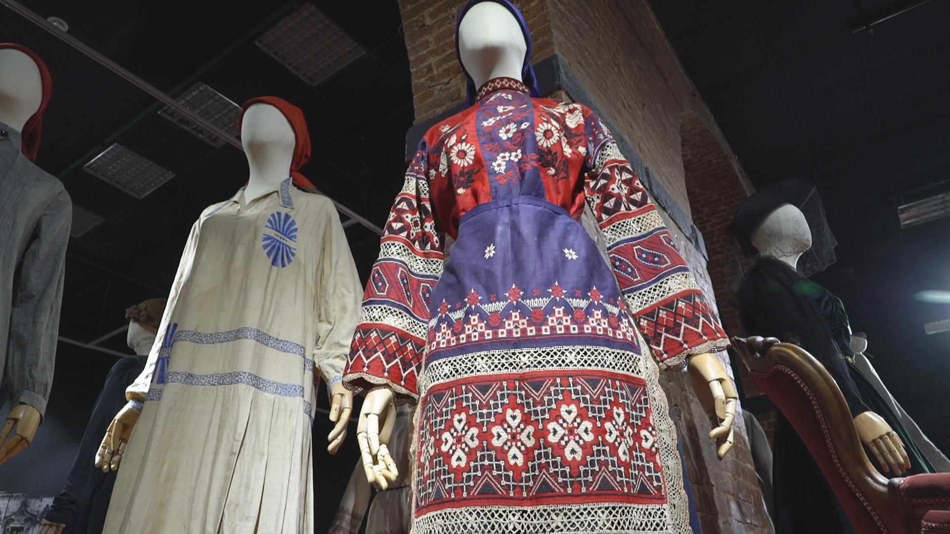 Мода и революция: как менялись наряды дам в России