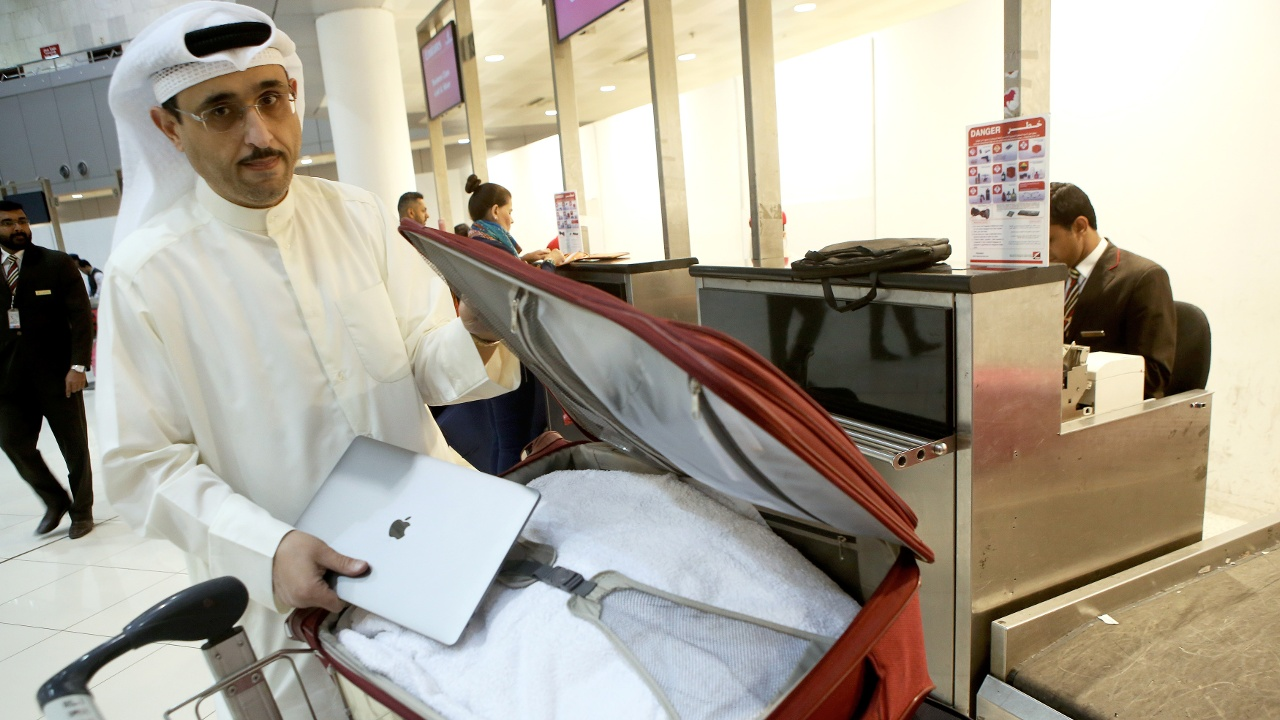 Авиакомпании обсудили запрет на провоз электроники в самолётах