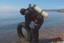 Дайверы взялись очистить Байкал от мусора