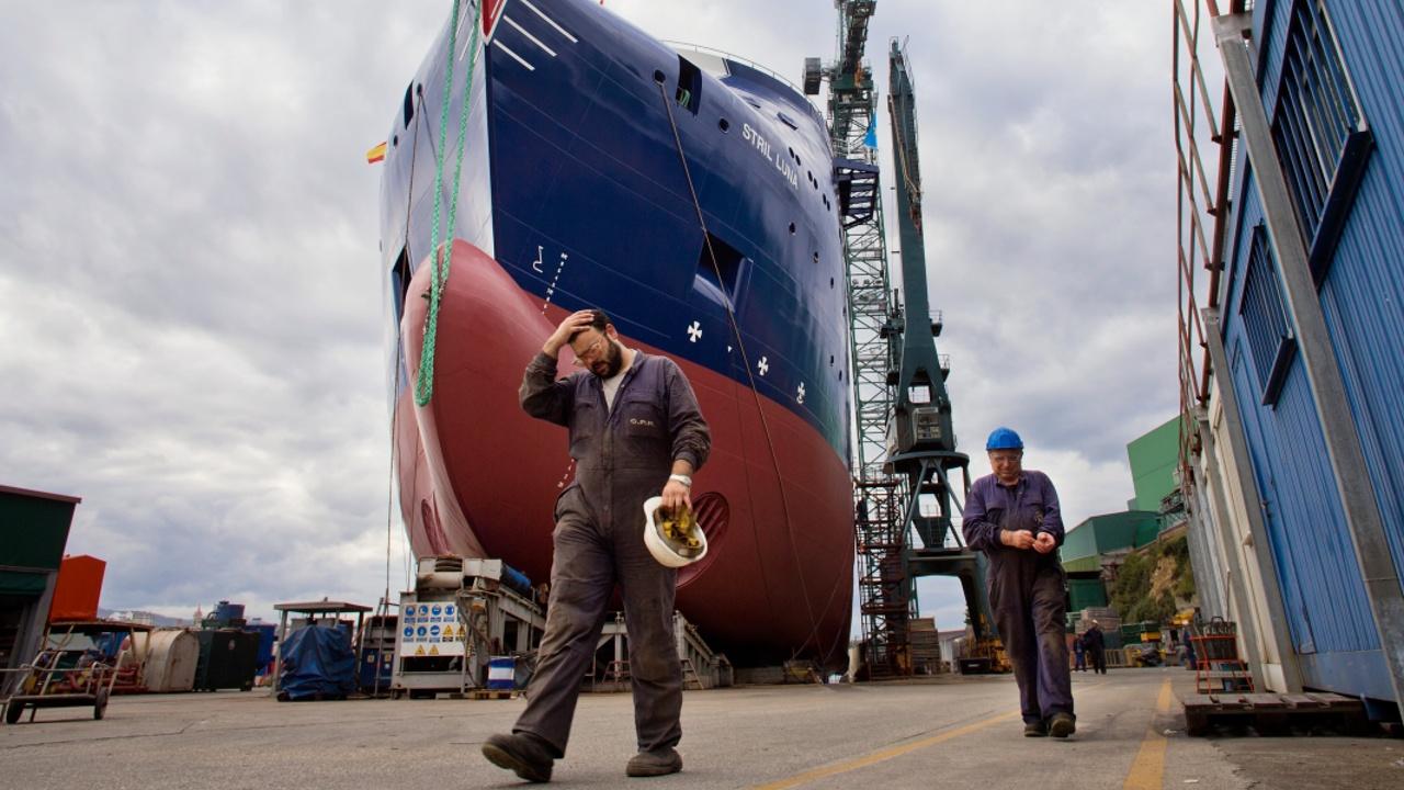 Рабочие испанских портов объявили забастовку