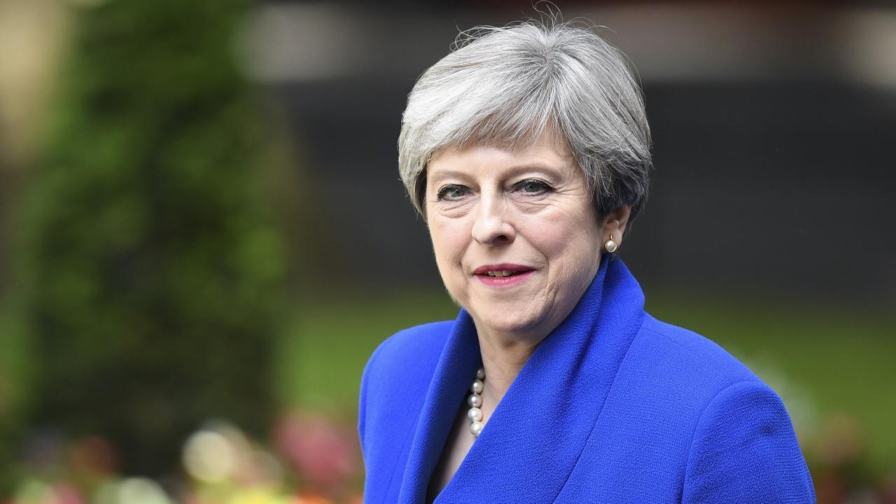 Тереза Мэй провела вялые перестановки в Кабинете министров