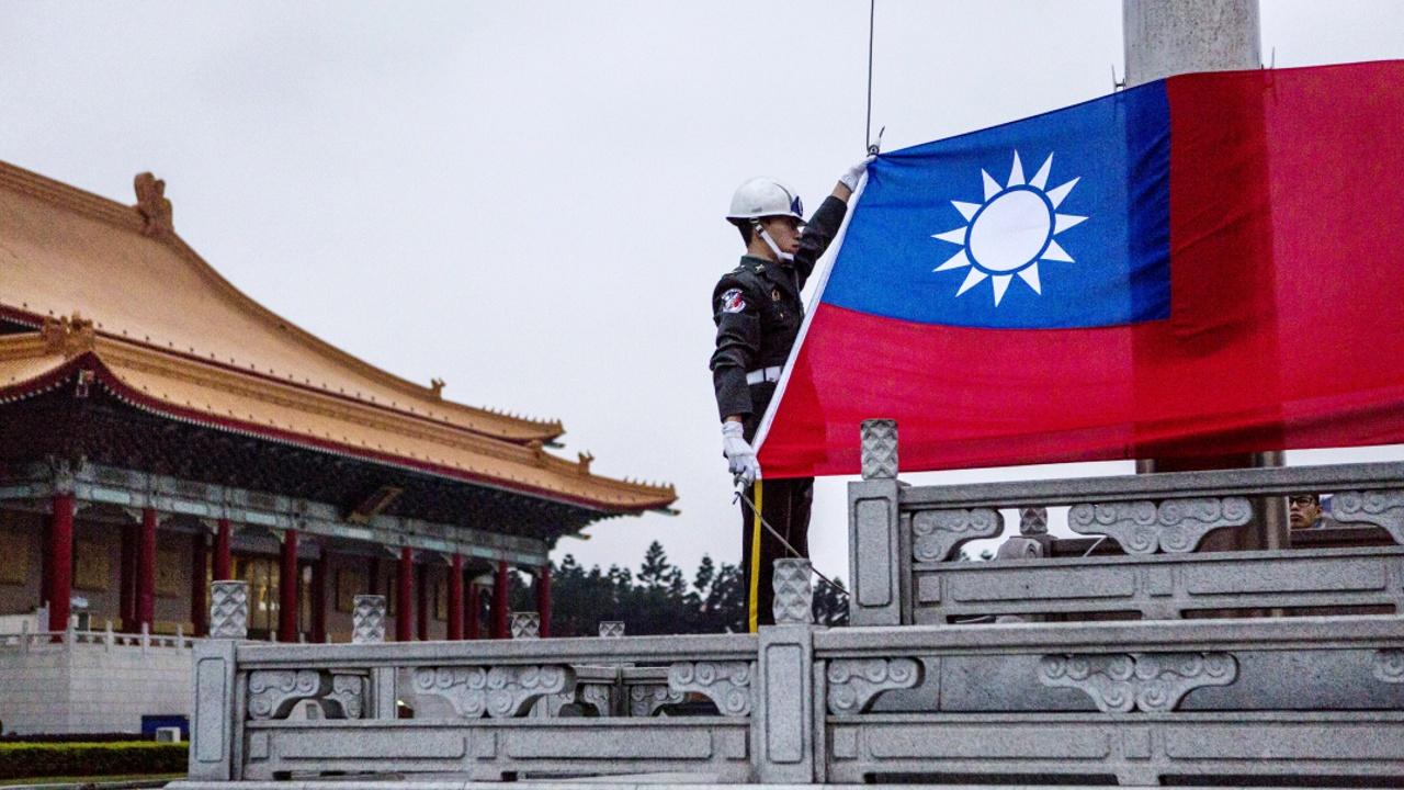 Панама разорвала дипотношения с Тайванем