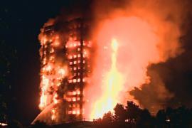 В Лондоне горит жилая высотка
