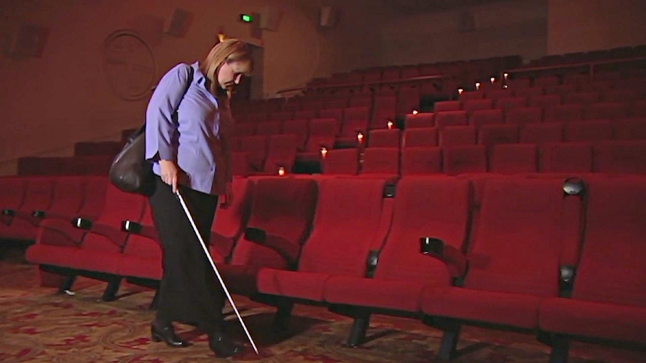 Ходить в кино слепым и слабовидящим помогает приложение