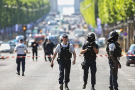 Очевидец описал нападение на Елисейских Полях