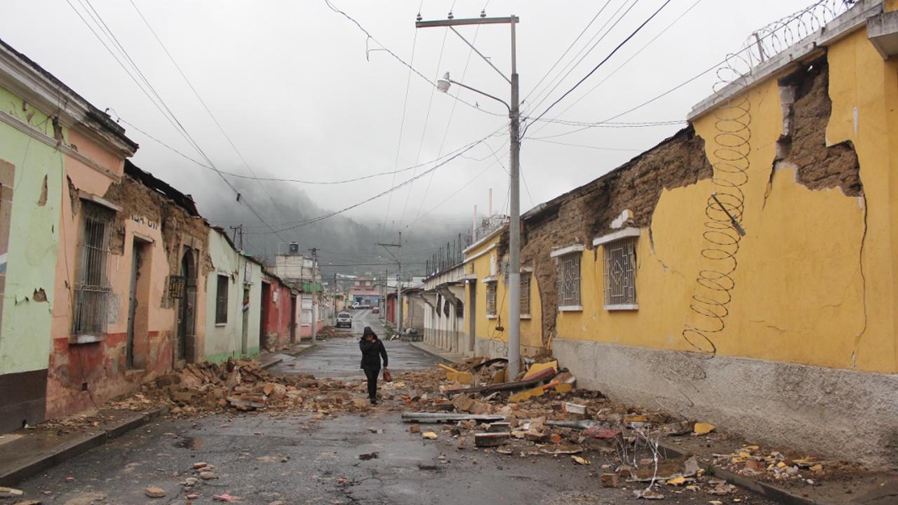 Сильное землетрясение в Гватемале и Сальвадоре