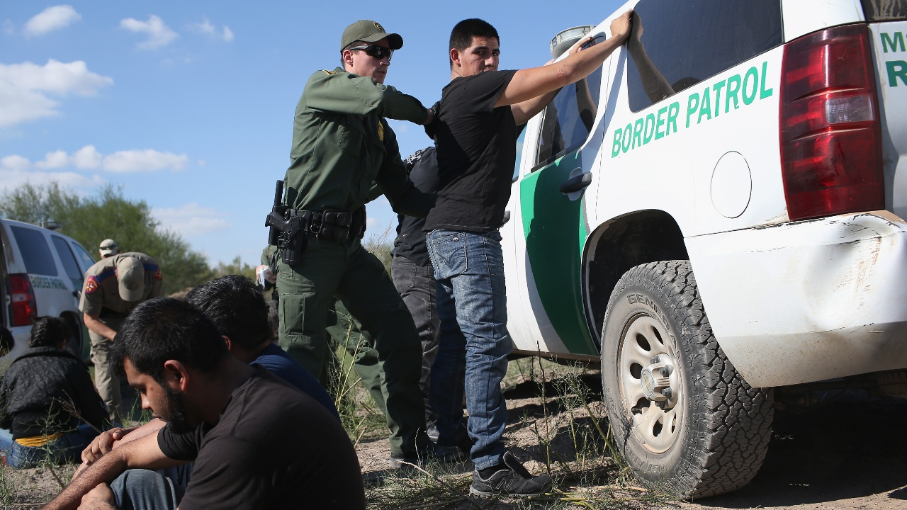Мексика будет защищать мигрантов после ужесточения законов в Техасе